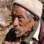 Oude man in Langtang Valley