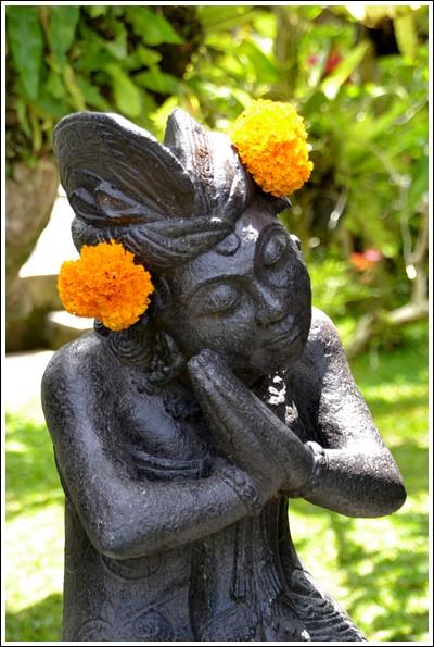 Simple flower offerings, Ubud