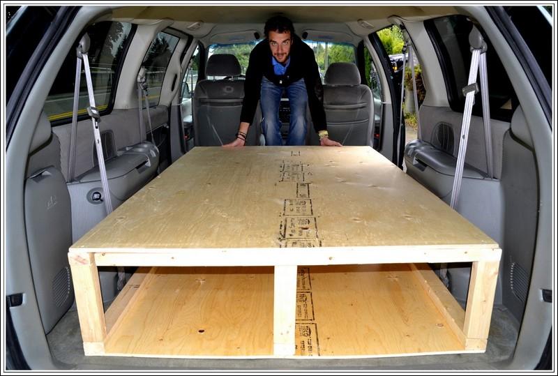 Na al het passen en meten past het bed perfect in de auto!